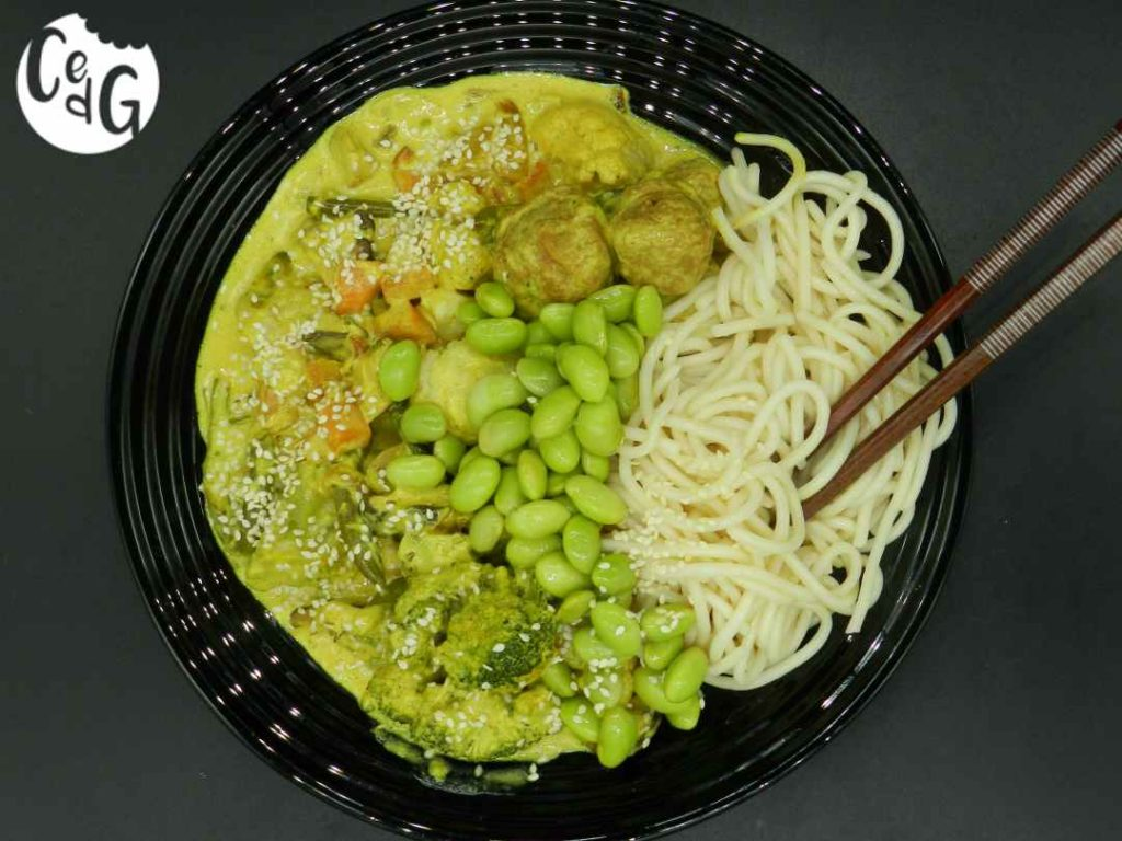 curry: un plato y un combinado de especias