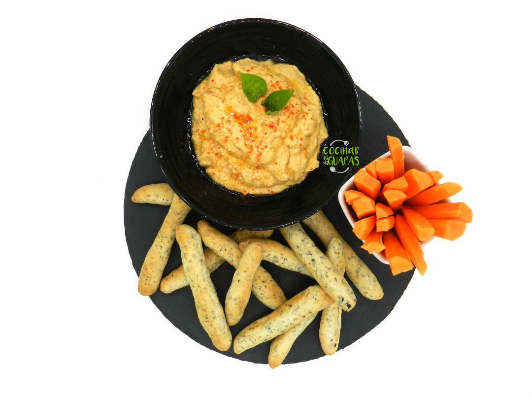 Picos y zanahoria con hummus