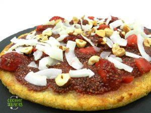 pizza de coco y almendra con platano