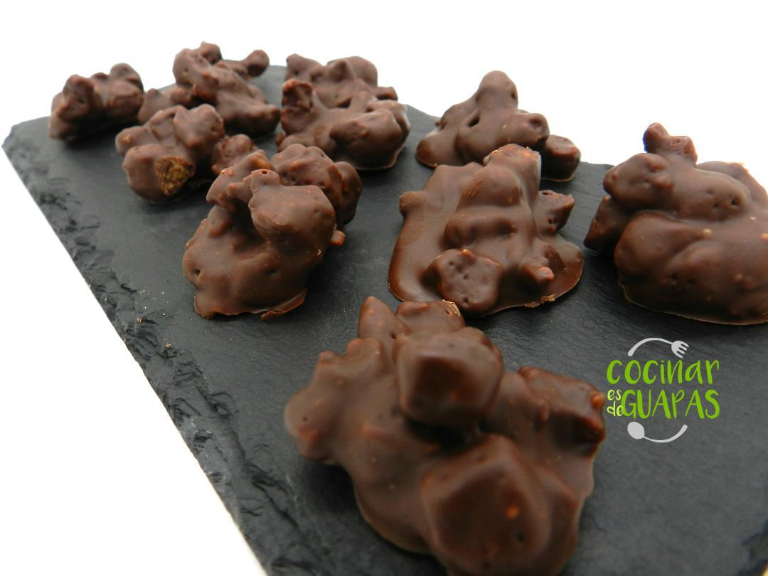 rocas de chocolate y soja