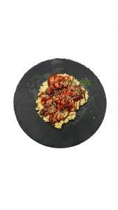TORTA DE AVENA CON FRESAS, CHOCOLATE Y CÁÑAMO !!  Otro desayuno aburrido de los veganos  q...